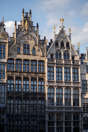 Antwerp mansions on central square of historic city center Stockfoto