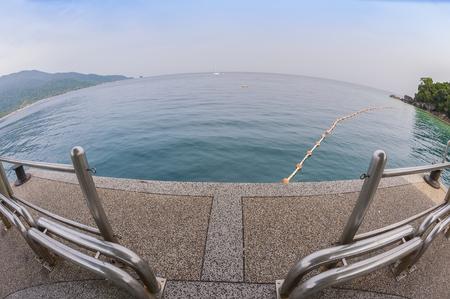 ティオマン島, マレーシア熱帯海の魚目広角ビュー 写真素材 - 47728717