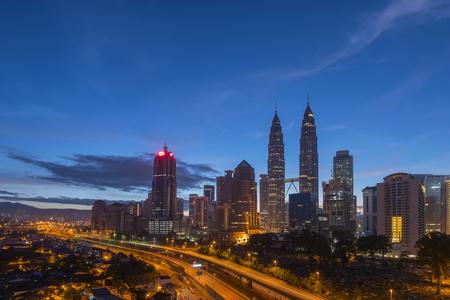 マレーシアの首都、クアラルンプール夜明け青時