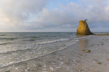 石とマレーシア ・ ボルネオ ・ サバ州アセアンで日没時にビーチ 写真素材