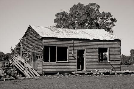 abandoned farmhouse abandoned farmhouse: An abandoned farmhouse near the town of Pemberton in Western Australia.