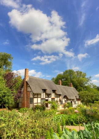 Anne Hathaways (William Shakespeares wife) famous thatched cottage and garden at Shottery, just outside Stratford upon Avon, England.