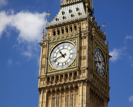 palace of westminster: Big Ben is the nickname for the great bell of the clock at the north end of the Palace of Westminster in London and is often extended to refer to the clock and the clock tower. Stock Photo