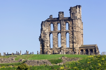 priory: Overlooking the North Sea and the River Tyne, Tynemouth Castle and Priory on the coast of North East England was once one of the largest fortified areas in England.