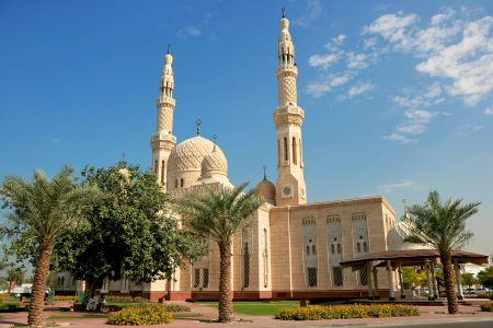 Jumeirah Mosque, the only mosque in Dubai which is open to the public and dedicated to receiving non-Muslim guests. Stock Photo - 19047975