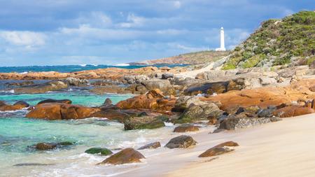 オーストラリアの南西端の嵐雲、ルーウィン岬灯台。