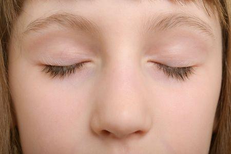 blindly: Cara de la ni�a ciegamente close up Foto de archivo