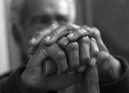 reiste: Elder Hands