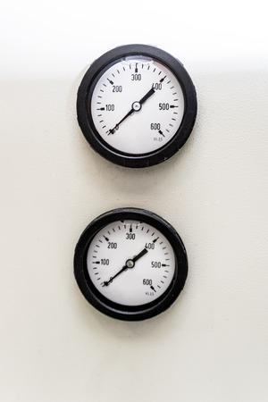 Two pressure indicators