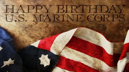 お誕生日おめでとう米国海兵隊旗、木材