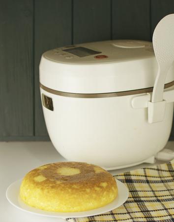 curd casserole baked in a multivariate Stok Fotoğraf