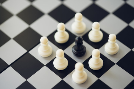 chessboard with a chess piece on the back Negotiating in business. as background business concept and strategy concept with copy space. Standard-Bild - 114602982