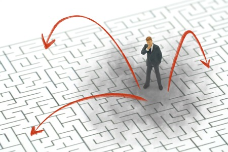 Infographics of Miniature people businessmen standing in the center of the maze. Business Idea Concepts Troubleshooting Analysis of problems to find solutions.