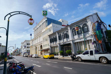 Phuket old town with Building Sino Portuguese architecture at Phuket Old Town area Phuket, Thailand. 免版税图像