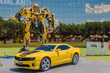 Foz do Iguacu, Brazil - November 22, 2017: Bumblebee Transformers at the front of the Wax Museum Editoriali