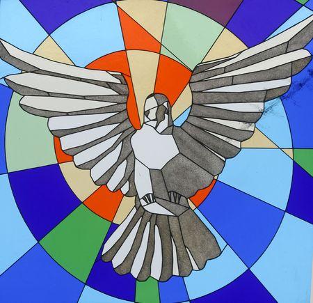 glas kunst: Heilige Geest Bird, gekleurd glas in de kerk van Blassed Aloysius Stepinac, Velika Gorica, Kroatië