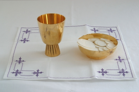 pan y vino: C�liz de oro