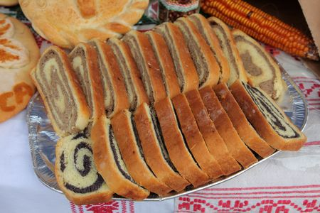 filled roll: Poppy seed and walnut rolls