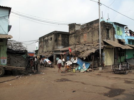 KOLKATA, INDIA -JANUARY 25: Streets of Kolkata. Poor Indian family living in a makeshift shack by the side of the road , January 25, 2009.