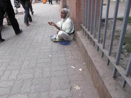 disadvantaged:  KOLKATA, INDIA -JANUARY 229: Streets of Kolkata. Thousands of beggars are the most disadvantaged castes living in the streets, January 29, 2009.