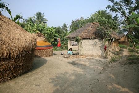 gente pobre: Bengal� pueblo