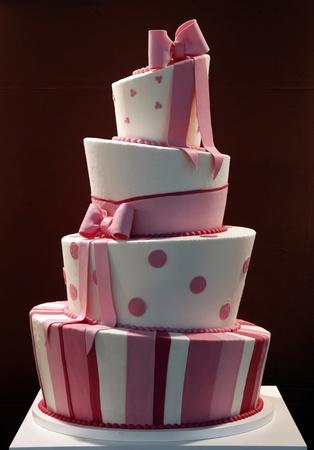 cakes background: Delicioso pastel de decoraci�n divertida de la boda