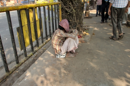 beggar's: KOLKATA - NOVEMBER 28  Streets of Kolkata  Thousands of beggars are the most disadvantaged castes living in the streets on November 28, 2012 in Kolkata, India