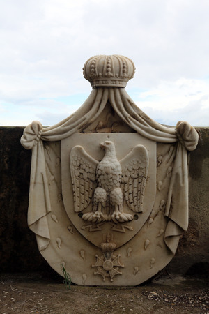 napoleon i: Napoleon I, 15  8 1769 - 5  5 1821, Emperor of the French 2  12  1804 - 22  6 1815, his coat of arms, garden of the Villa dei Mulini, Portoferraio, Elba, Italy