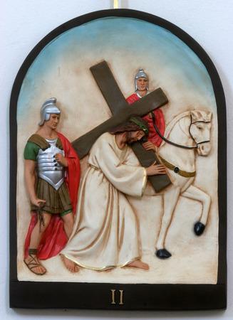 第 2 局のクロス、イエスは十字架を与え、 報道画像