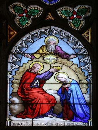 sacra famiglia: Incoronazione di Maria