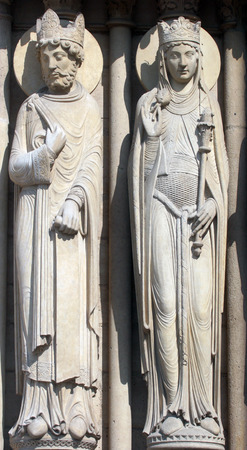 queen of sheba: King and Queen of Sheba, Notre Dame Cathedral, Paris, Portal of St  Anne