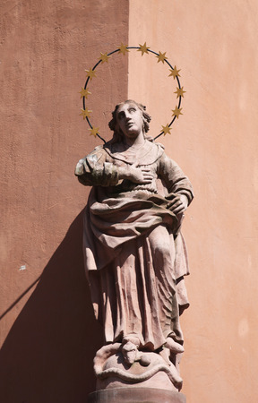 singly: Statue of the Virgin Mary, old town, Miltenberg, Bavaria, Germany, Europe