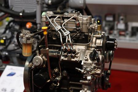 inner cylinder: Modern engine used on marine industry