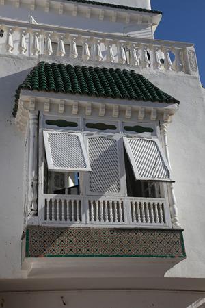 sidi bou said: Traditional window from Sidi Bou Said, Tunis