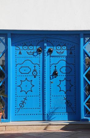 sidi bou said: Traditional door from Sidi Bou Said, Tunis