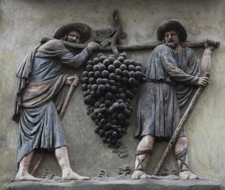 wine grower: The grape carriers, Prague