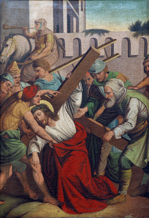 crucis: 5th Stations of the Cross, Simon of Cyrene carries the cross