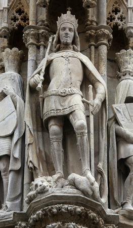 saint stephen cathedral: Statue of saint at St Stephans Cathedral in Vienna, Austria on October 10, 2014 Editorial