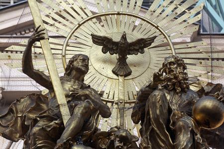plaga: Sant�sima Trinidad, La peste monumento en Viena, Austria el 10 de octubre de 2014. Editorial