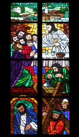 last supper: Last supper, Stained glass in Votiv Kirche (The Votive Church). It is a neo-Gothic church located on the Ringstrabe in Vienna, Austria on October 10, 2014