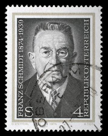 pianista: AUSTRIA - alrededor de 1974: un sello impreso en los shows de Austria Franz Schmidt, Compositor, pianista y violonchelista, alrededor de 1974