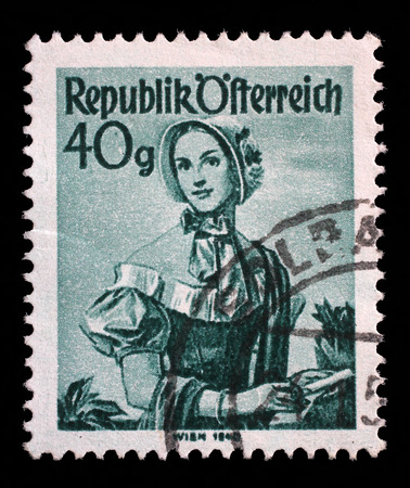 stempeln: Stamp printed in Austria from the Provincial Costumes issue shows a woman from Vienna 1840, circa 1948.