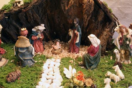 jesus statue: Christmas mangers