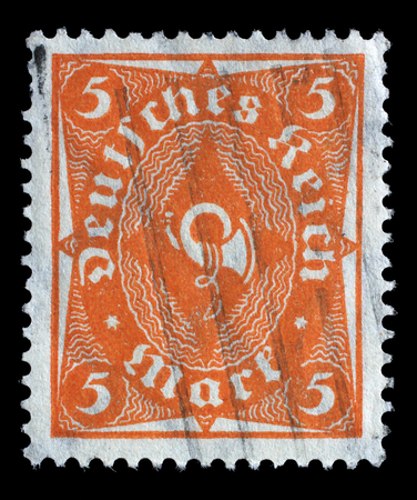stempeln: Stamp printed in Germany shows a posthorn, circa 1922.