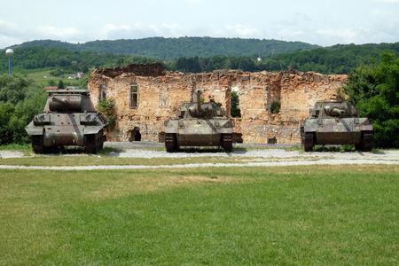 Chars militaires Musée en plein air de la guerre d'indépendance croate, 1991 - 1995, (guerre intérieure, Domovinski Rat), Turanj, Croatie