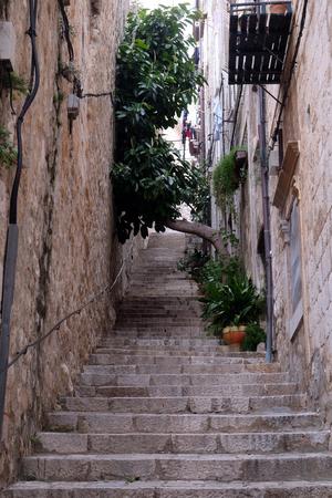 Narrow street inside Dubrovnik old town, Croatia 版權商用圖片