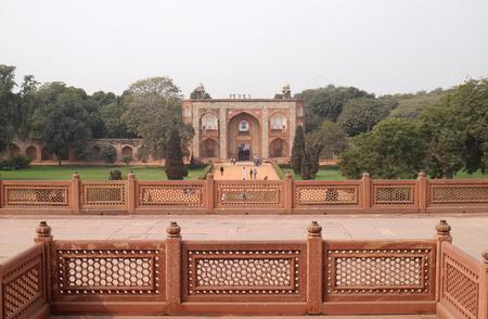 Humayuns Tomb, built by Hamida Banu Begun in 1565-72, Delhi, India