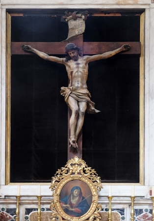 gods: Altar of Holy Cross, Franciscan church of the Friars Minor in Dubrovnik, Croatia