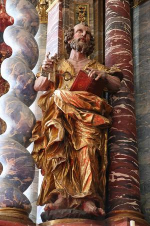 Saint Pierre, statue sur l'autel de la cathédrale de l'Assomption à Varazdin, Croatie