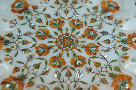 Traditional colorful floral marble tabletops for sale in Agra, Uttar Pradesh, India Imagens